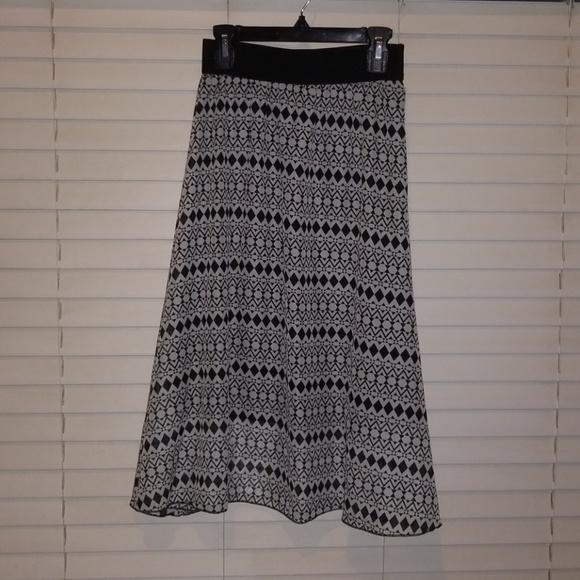 NEW Lola skirt by LuLaRoe XXS black & white